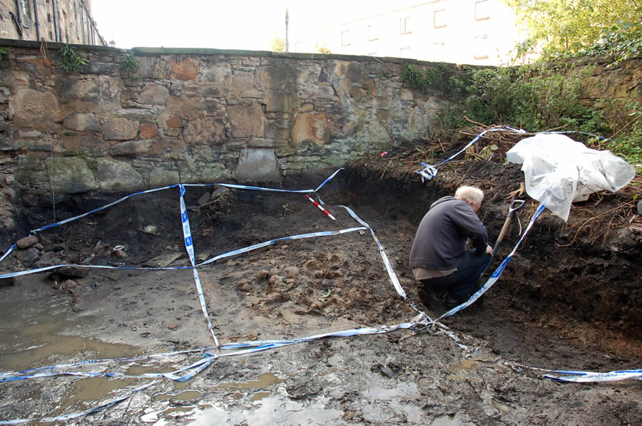 Archaeological field assessment of human bones findspot at Grove Street Garden